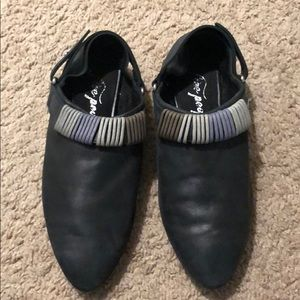 Black leather Free People loafers